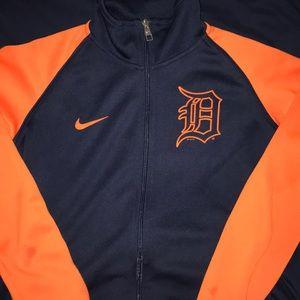 2ff9450136ba ... Nike women s jacket ...